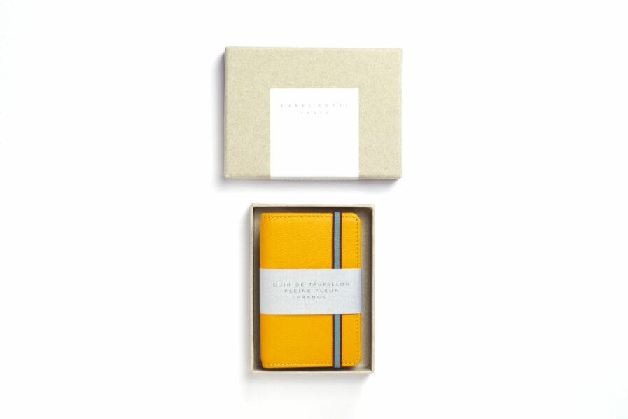 Yellow Card Holder in Calfskin Leather by Carré Royal in the Box (LA024 Jaune)