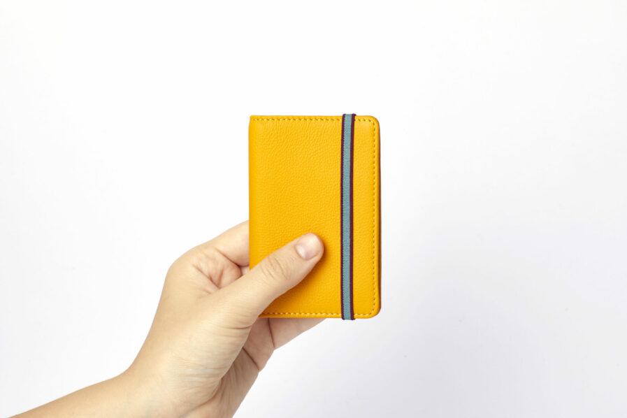 Yellow Card Holder in Calfskin Leather by Carré Royal at Hand (LA024 Jaune)