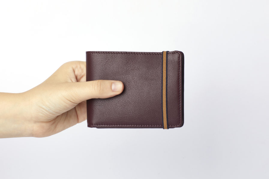 Burgundy Minimalist Wallet With Coin Pocket by Carré Royal Hand (LA901-Bordeaux)