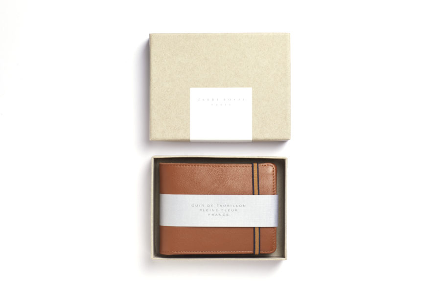 Gold Minimalist Wallet With Coin Pocket by Carré Royal Box (LA901-Gold)