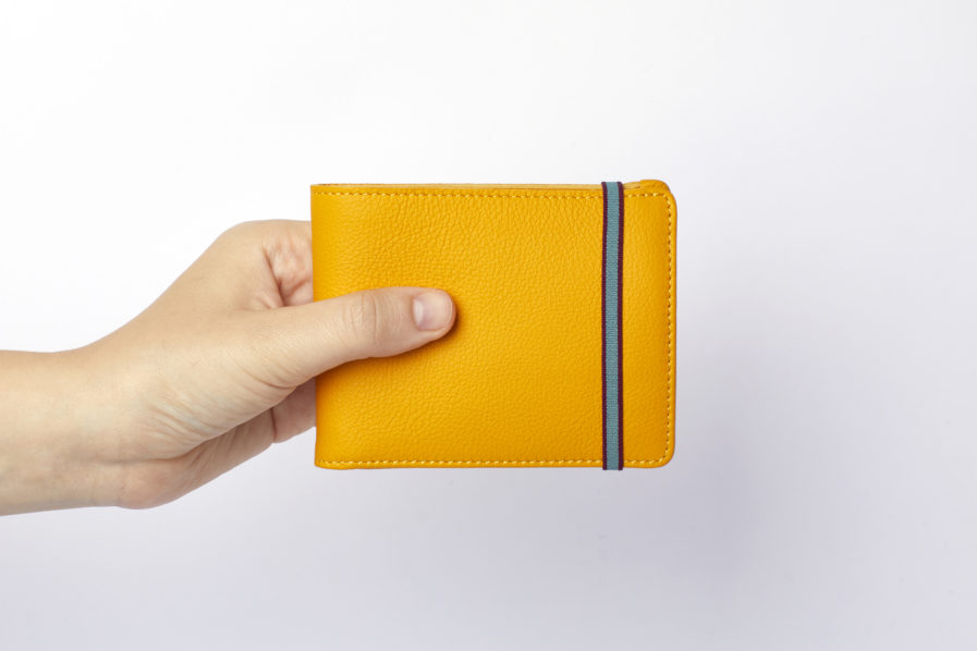 Yellow Minimalist Wallet With Coin Pocket by Carré Royal Hand (LA901-Jaune)