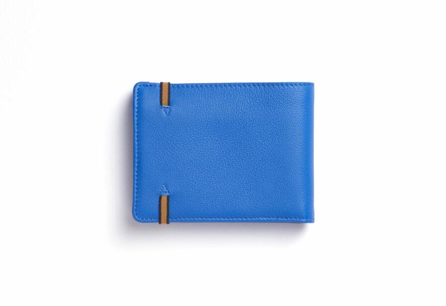 Portefeuille Minimaliste Bleu Ciel en Cuir de Taurillon avec Poche à monnaie par Carré Royal vue de dos (LA901 Bleu Ciel)