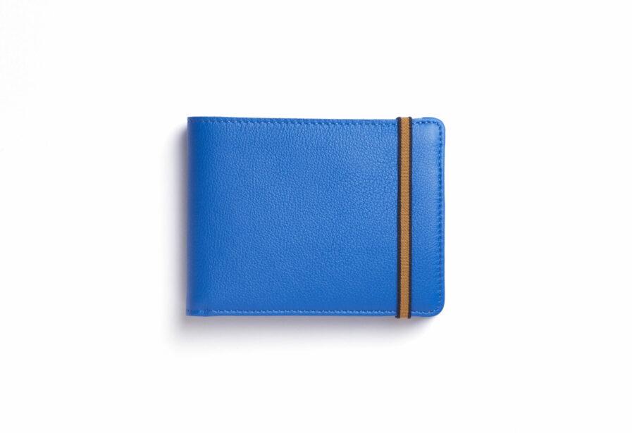 Portefeuille Minimaliste Bleu Ciel en Cuir de Taurillon avec Poche à monnaie par Carré Royal vue de face (LA901 Bleu Ciel)