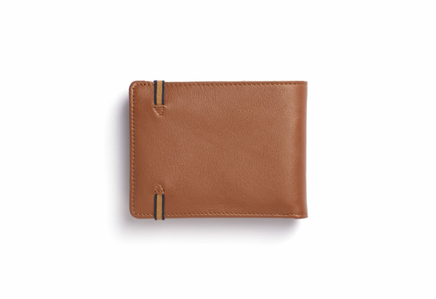 Gold Minimalist Leather Wallet With Coin Pocket by Carré Royal Back (LA901 Gold)