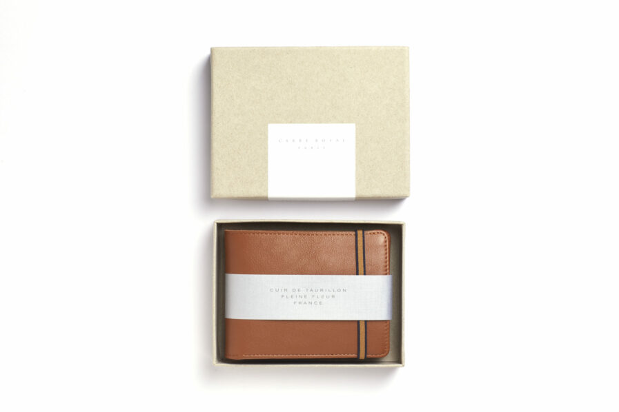 Gold Minimalist Leather Wallet With Coin Pocket by Carré Royal in the Box (LA901 Gold)