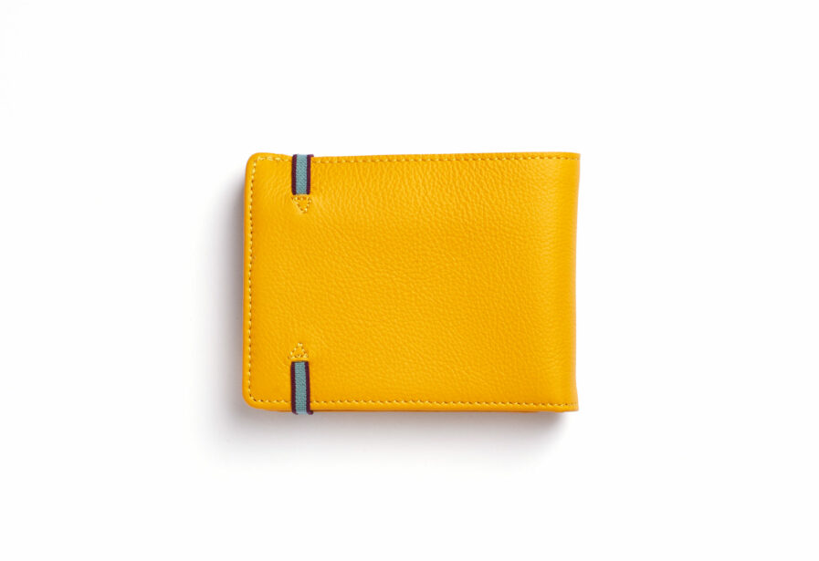 Yellow Minimalist Leather Wallet With Coin Pocket by Carré Royal Back (LA901 Jaune)