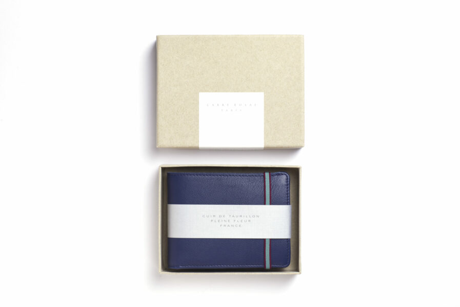 Navy Minimalist Leather Wallet With Coin Pocket by Carré Royal in the Box (LA901 Marine)