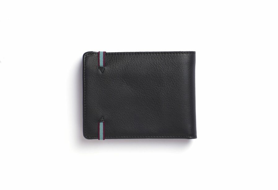 Black Minimalist Leather Wallet With Coin Pocket by Carré Royal Back (LA901 Noir)