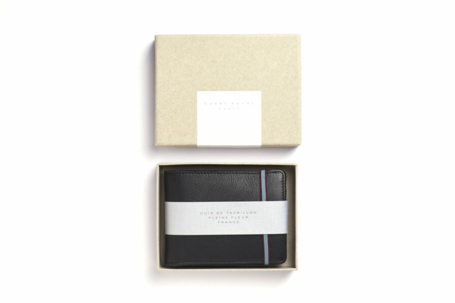 Black Minimalist Leather Wallet With Coin Pocket by Carré Royal in the Box (LA901 Noir)