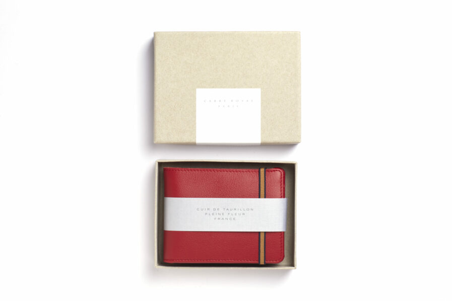 Red Minimalist Leather Wallet With Coin Pocket by Carré Royal in the Box (LA901 Rouge)