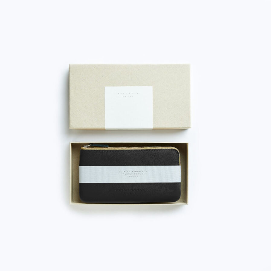 Black Pouch in Calfskin Leather by Carré Royal in the Box (AT305 Black)